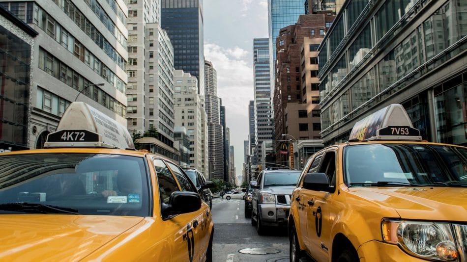 Comment réserver rapidement un taxi à Paris ?